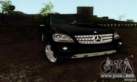 Mercedes-Benz ML500 for GTA San Andreas right view