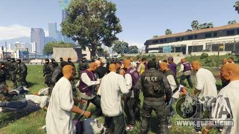 GTA 5 30 SWAT VS 60 Gangsters 1.0 third screenshot