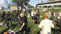 30 SWAT VS 60 Gangsters 1.0 for GTA 5
