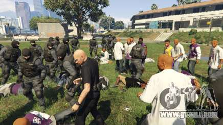 30 SWAT VS 60 Gangsters 1.0 for GTA 5