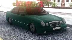 Mercedes-Benz E55 Green Sedan for GTA San Andreas